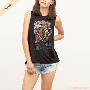 [A&F] Black Tiger Rise Find Your Wild Muscle Tank